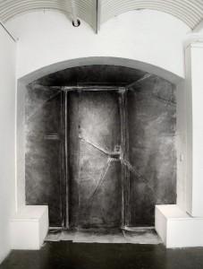 1. Door.2010.TRUDYMOORE.web.SP